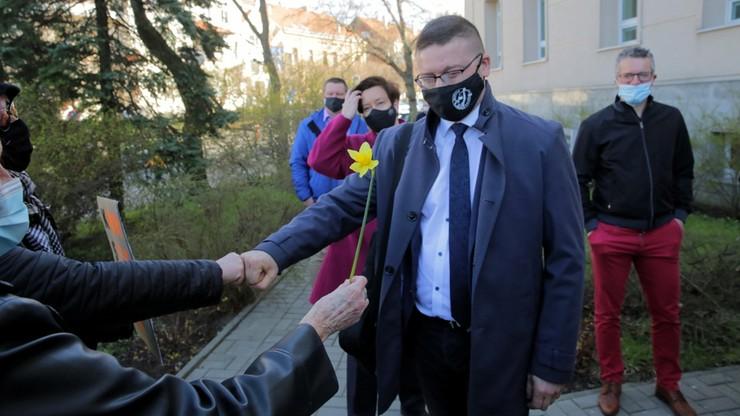 Sędzia Juszczyszyn stawił się do pracy. Prezes sądu nie dopuści go do orzekania