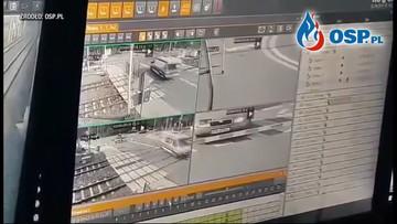 Zderzenie pociągu z karetką w Puszczykowie. Kierowca: wszyscy tak jeżdżą
