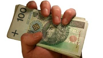 W kieszeniach polskich podatników zostaje średnio 71 proc. pensji brutto