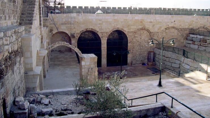 Pożar meczetu w Jerozolimie przylegającego do Al-Aksy. W tym samym czasie płonęła Notre Dame
