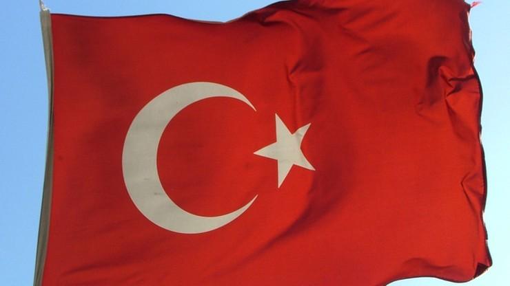 Rodziny amerykańskich dyplomatów opuszczają Turcję