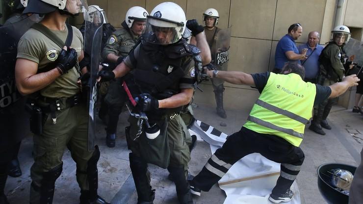 """""""Ręce precz od kopalni"""". Protest górników w Grecji. Policja użyła gazu łzawiącego"""
