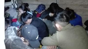 Służby graniczne zatrzymały 16 nielegalnych imigrantów z Wietnamu