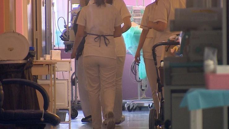 Pikieta pielęgniarek w Jędrzejowie. Domagały się podwyżki