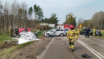 Wypadek z udziałem kilku aut na dk 65. Zginęła jedna osoba