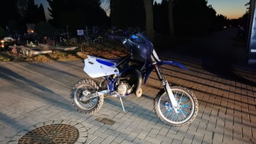 Szalał motocyklem po cmentarzu. Zapłaci trzy mandaty