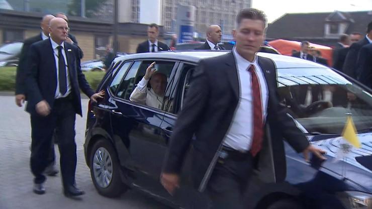 Auto papieża do kupienia. Ruszają aukcje