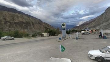Wypadek autobusu na górskiej drodze w Pakistanie. Co najmniej 25 osób nie żyje