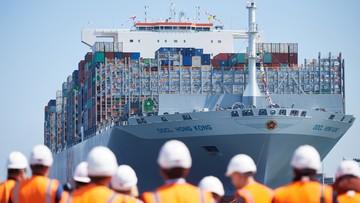 400 metrów długości, 60 metrów szerokości - największy kontenerowiec świata przypłynął do Gdańska