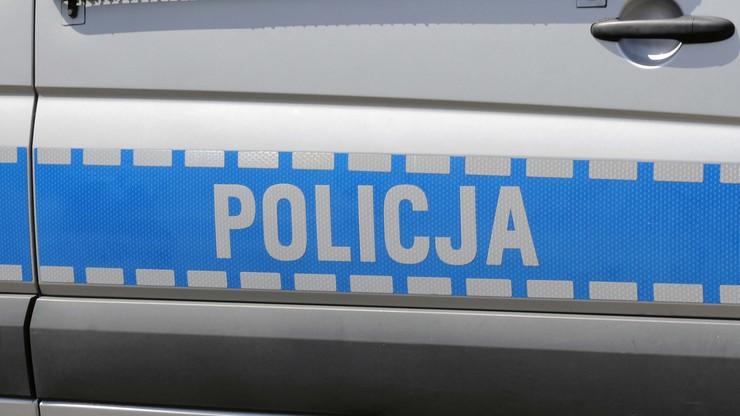 Pijany kierowca wiózł dzieci i ciężarną kobietę. Uciekał przed policją