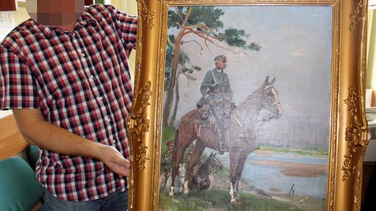 """Odzyskano obraz Kossaka """"Piłsudski na Kasztance"""". Został skradziony w 1997 roku"""