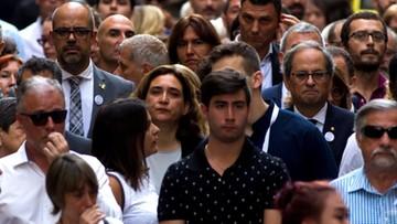 Setki ludzi w Barcelonie na uroczystościach w rocznicę zamachów