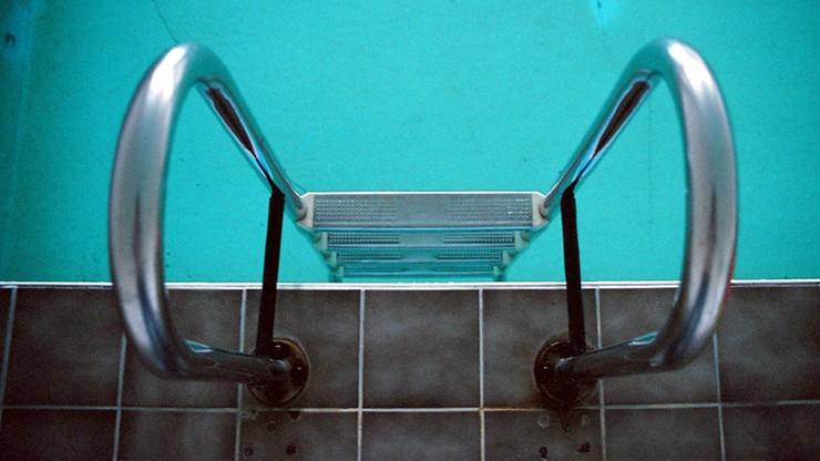 Warszawa. Nagrywał kobietę w przebieralni na basenie. W mieszkaniu miał narkotyki