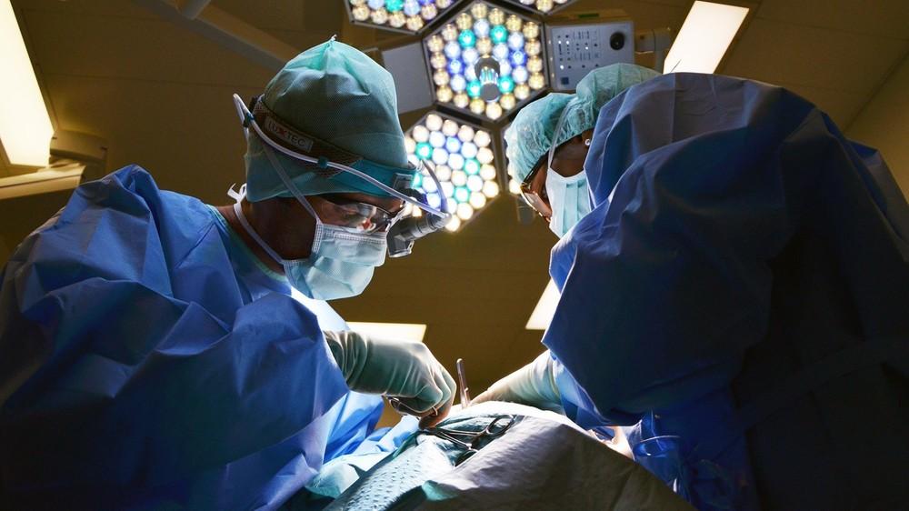 Nowy system obrazowania Panasonic rzuca obrazy prosto na operowanego pacjenta