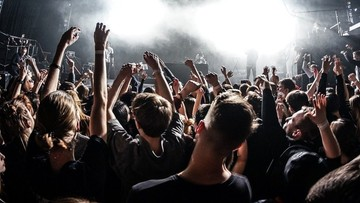 Powrót imprez masowych możliwy? Sprawdzą to Brytyjczycy