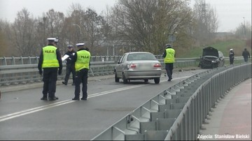 Elbląg: kierowca został śmiertelnie potrącony, gdy ustawiał trójkąt. Sprawca był nietrzeźwy