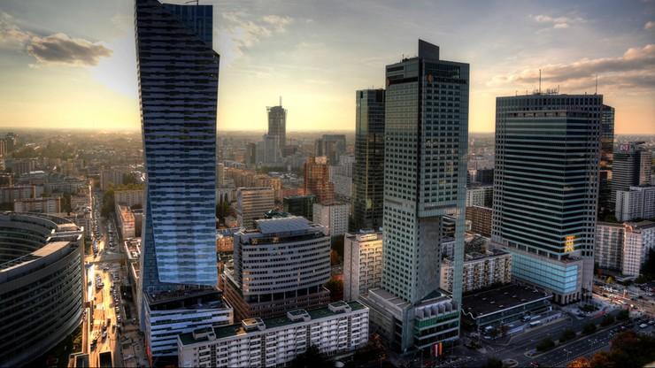 Budżet Warszawy na przyszły rok przyjęty. Wydatki - 16,5 mld zł, na oświatę - 3,4 mld zł