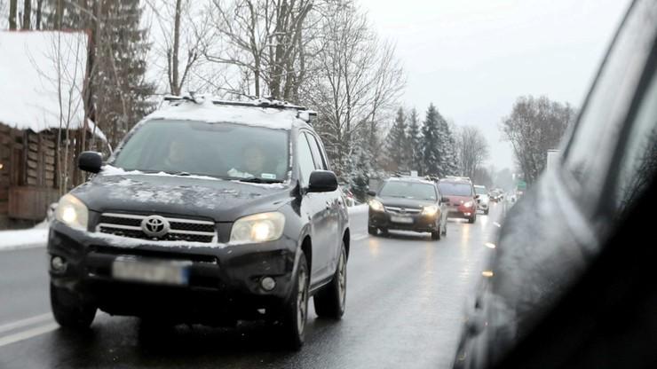 Oblodzenie w całym kraju. IMGW ostrzega też przed intensywnymi opadami śniegu