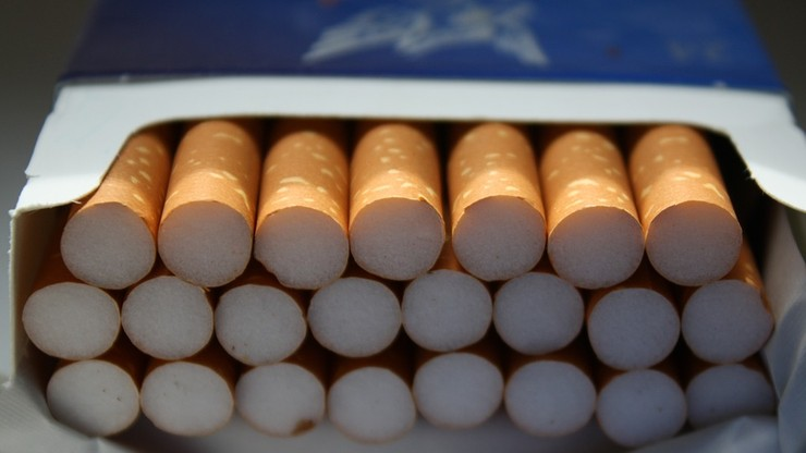 Poszedł po papierosy i przeżył szok. Domaga się 100 mln euro odszkodowania
