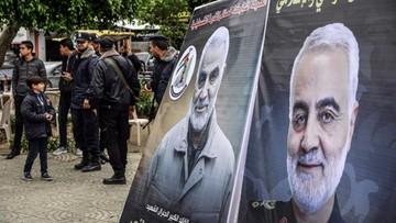 """Ciało Sulejmaniego już w Iranie. Żałobnicy: """"Ameryka to szatan"""""""