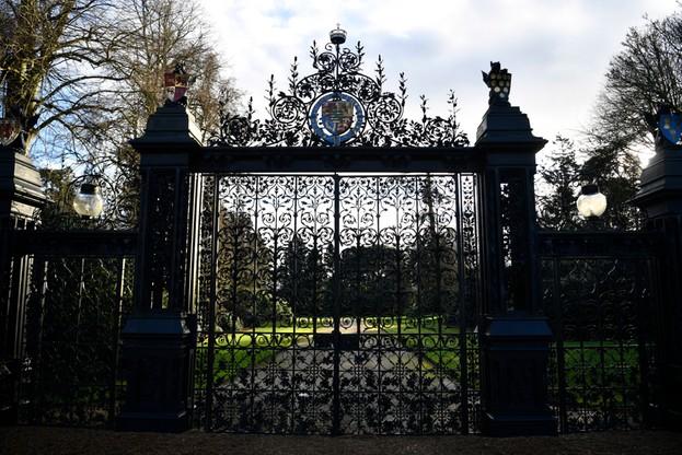 Brama do Sandringham, wiejskiej rezydencja królowej Elżbiety II
