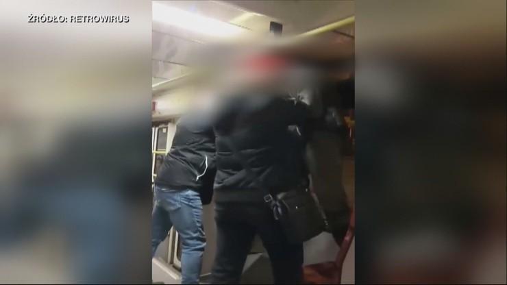 """Prowokacja w bytomskim tramwaju? Nagranie z interwencji kontrolerów wobec pasażera """"na gapę"""""""