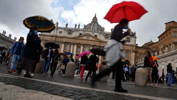 Skandal w Watykanie. Kardynał miał zdefraudować 700 tys. euro i przekupywać świadków