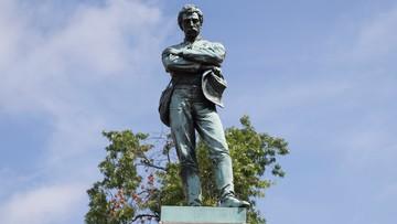 Debata nad pomnikami konfederatów. Większość Amerykanów za pozostawieniem ich w miejscach publicznych