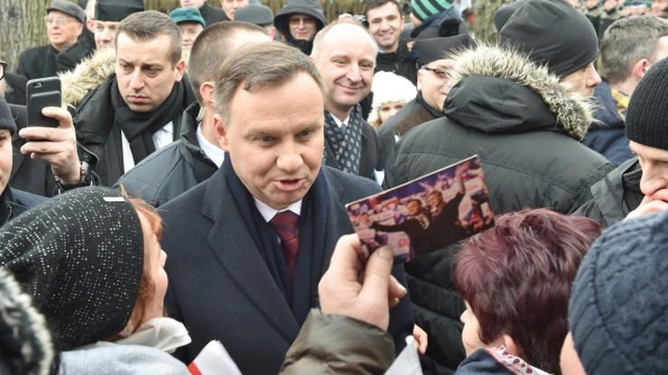 Polacy najbardziej ufają Dudzie. Największą nieufność budzi Macierewicz
