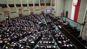 """Sejm uchwalił ustawę o świadczeniu """"Emerytura plus"""""""