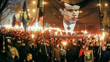 """""""Chwała narodowi, śmierć wrogom"""". Ulicami Kijowa przeszedł marsz ku czci Bandery"""