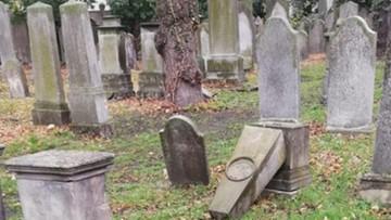 Dwaj 13-latkowie i 12-latka zniszczyli zabytkowe nagrobki na cmentarzu żydowskim w Opolu