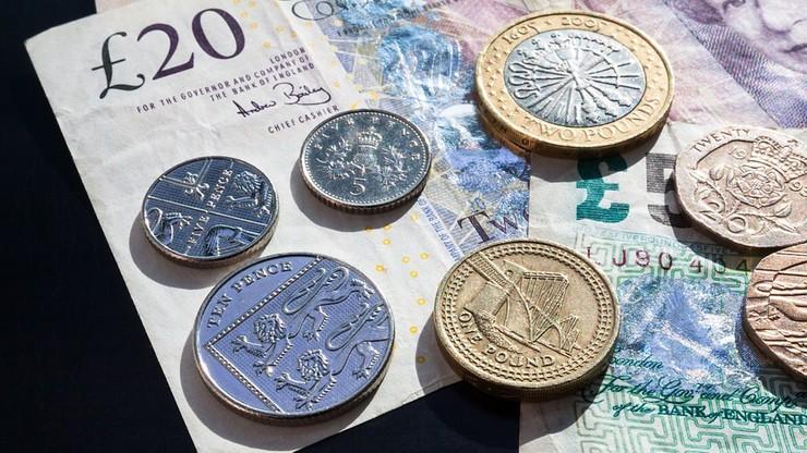 Obniżył się kurs funta wobec dolara. Najbardziej od 31 lat