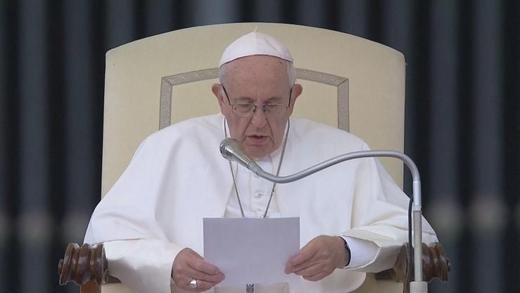 """""""Powszechność tej plagi nie umniejsza jej potworności w obrębie Kościoła"""". Papież o pedofilii"""