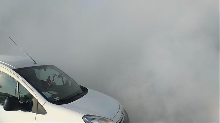 Według straży pożarnej wskutek awarii unieruchomionych zostało 200 pojazdów.