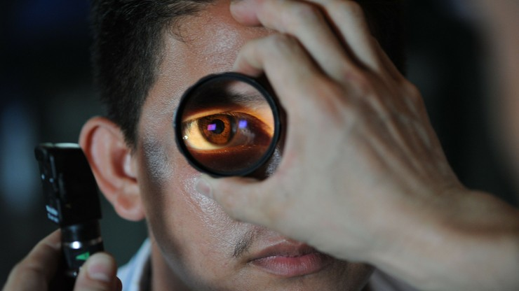 Badanie dna oka umożliwi wczesne wykrycie Alzheimera i Parkinsona