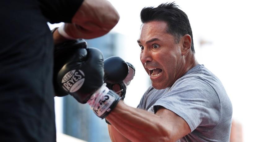Słynny bokser przełożył powrót na ring. Jest zakażony koronawirusem
