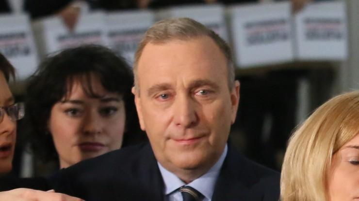 Schetyna: w piątek pewnie wniosek PO o wotum nieufności dla Macierewicza