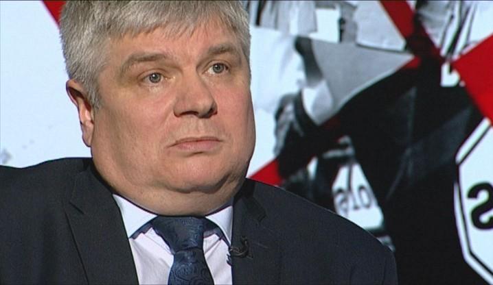 """Chcą odebrać Maciejowi Laskowi tytuł doktora. Wniosek złożył ekspert smoleński w imieniu """"grupy profesorów"""""""