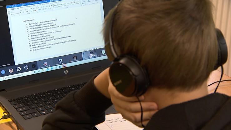 Szkoła przekazała dzieciom laptopy do nauki. Rodzice sprzedali je w lombardzie