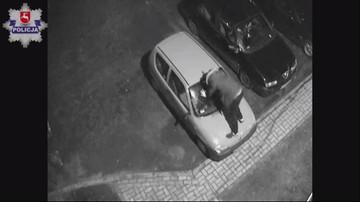 Pijany mężczyzna skakał po samochodzie. Zdarzenie zarejestrował monitoring