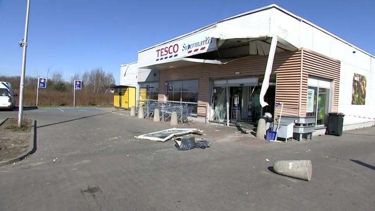 Mazowieckie. Prokuratura umorzyła śledztwo ws. kradzieży gotówki z bankomatu pod Warszawą