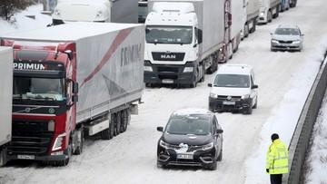 Zawieje i oblodzone drogi. Zima zaatakowała w Europie