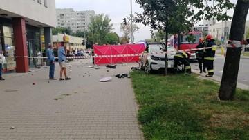 Dramatyczny wypadek w Warszawie. Bmw uderzyło w kobietę przy przejściu dla pieszych
