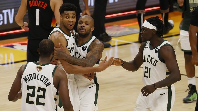 """NBA: Trzecia wygrana Milwaukee Bucks z rzędu. """"Kozły"""" o krok od tytułu"""