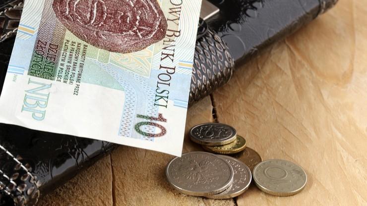 Polacy wycofują pieniądze z lokat. Można tylko stracić