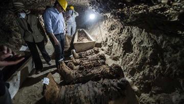 Egipt: 17 mumii odkryto w grobowcu liczącym co najmniej 1700 lat