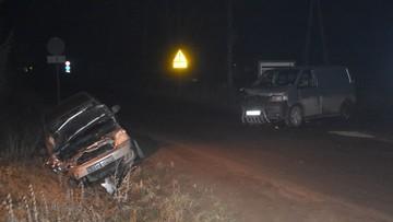 16-latek spowodował wypadek busem. Ranny został pasażer osobowego auta