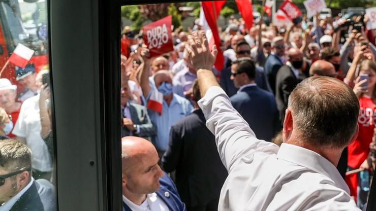 Nowy sondaż CBOS: prezydent Duda o krok od wygranej w I turze