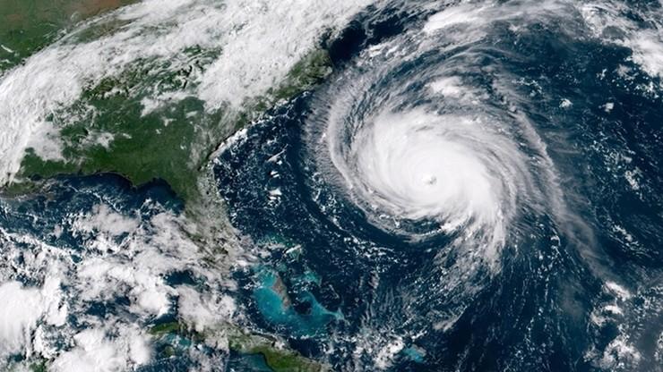"""""""Potwór"""" zbliża się do USA. Huragan """"Florence"""" może być najsilniejszym w historii dwóch stanów"""